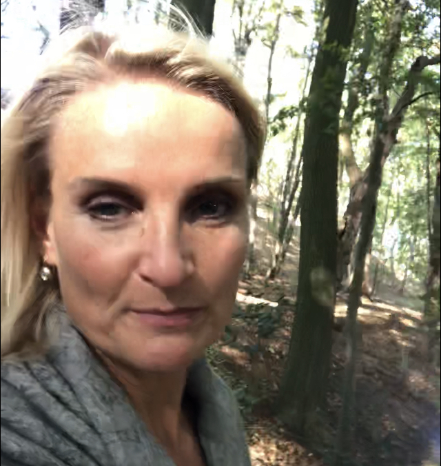 Anneke Brouwer Public Speaking Coach | Executive Voice Expert