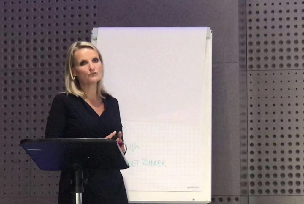 Anneke Brouwer Stemprofessional & Sprekerscoach   Public Speaking Coach & Executive Voice Expert about the Human Voice and Leadership